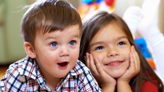 Enfants dans micro-crèche